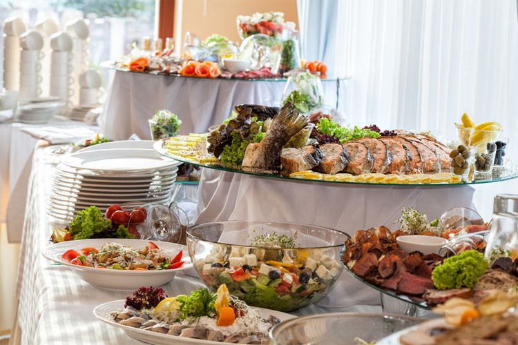 When It Comes To Summer Wedding Menu Options Trends All Over The Board In Nashville We Recently Spoke With Debbie Valentine From Corner Catering About