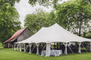 How to Have an Elegant Barn Wedding