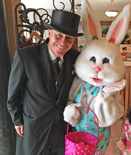 Easter_Bunny_and_Doorman