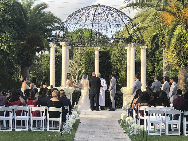 Via Bella Estate Ceremony